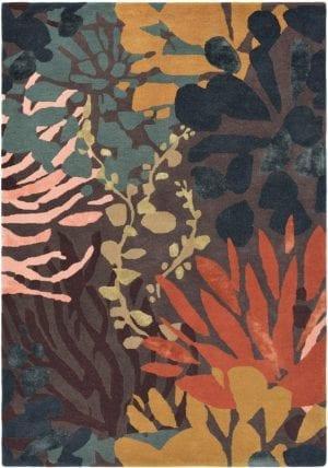 Vloerkleed Estella Submarine 89405 van Brink & Campman is een exclusief handgetuft karpet met een eigenzinnig bloemen design. Het vloerkleed is samengesteld uit scheerwol, seide / viskose en is uitgevoerd in de kleur meerkleurig. Het kleed heeft een afmeting van 140 x 200 cm.