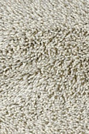 Vloerkleed Gravel Mix 68209 van Brink & Campman is een exclusief geweven & getuft karpet met een eigenzinnig verloop design. Het vloerkleed is samengesteld uit scheerwol en is uitgevoerd in de kleur wit, zilver, grijs. Het kleed heeft een afmeting van 140 x 200 cm.