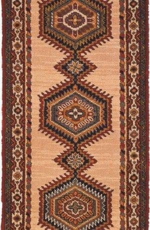 Vloerkleed Loper Sultan 10707 van Brink & Campman is een exclusief loper karpet met een eigenzinnig geborduurd, klassiek design. Het vloerkleed is samengesteld uit polyamide, wol en is uitgevoerd in de kleur beige, rood, meerkleurig. Het kleed heeft een afmeting van 57 x 100 cm.