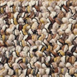 Vloerkleed Marble 29502 van Brink & Campman is een exclusief handgeweven karpet met een eigenzinnig verloop design. Het vloerkleed is samengesteld uit scheerwol en is uitgevoerd in de kleur beige, bruin, meerkleurig. Het kleed heeft een afmeting van 140 x 200 cm.