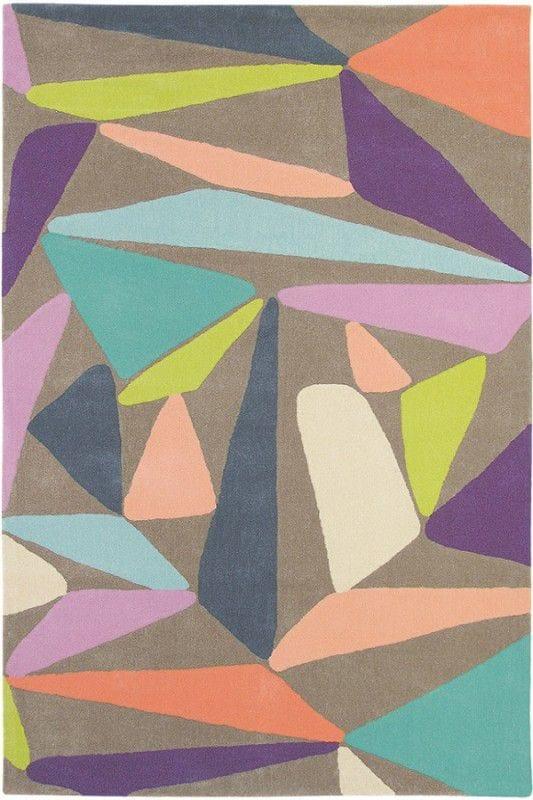 Vloerkleed Xian Triangle 77608 van Brink & Campman is een exclusief handgetuft karpet met een eigenzinnig ruitvormig design. Het vloerkleed is samengesteld uit acryl en is uitgevoerd in de kleur grijs, blauw. Het kleed heeft een afmeting van 120 x 180 cm.