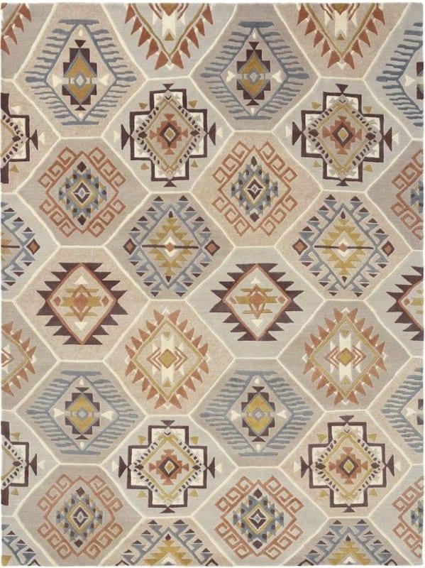 Vloerkleed Yara Nomad 33401 van Brink & Campman is een exclusief handgeknoopt karpet met een eigenzinnig ruitvormig design. Het vloerkleed is samengesteld uit nieuw-zeeland wol, tibetaans wol en is uitgevoerd in de kleur meerkleurig. Het kleed heeft een afmeting van 140 x 200 cm.