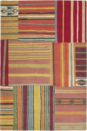 Vloerkleed Yara Out Of The Blue 133803 van Brink & Campman is een exclusief handgeknoopt karpet met een eigenzinnig ruitvormig, strepen design. Het vloerkleed is samengesteld uit nieuw-zeeland wol, tibetaans wol en is uitgevoerd in de kleur meerkleurig. Het kleed heeft een afmeting van 140 x 200 cm.