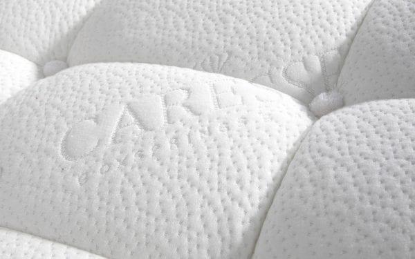 Caresse 6750 vlak boxspring bed Een slaapbeleving die past bij jouw persoonlijke stijl ervaar je met de Caresse boxspring 6750. - Löwik Wonen & Slapen