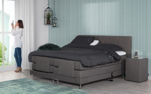 Caresse 4800 elektrisch boxspring bed Luxueus slapen als echte royalty met de elektrisch verstelbare Caresse boxspring 4800 - Löwik Wonen & Slapen