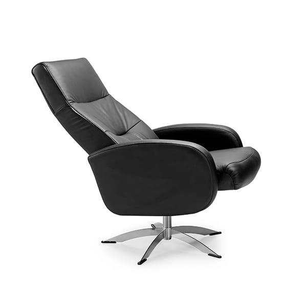 Vox relaxfauteuil zwart  relaxfauteuil bekleed met madras/skai leer. In diverse kleuren leverbaar. Feelings Lowik Meubelen