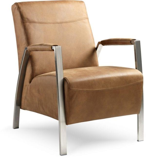 Zanzibar fauteuil, ranke fauteuil uit de Feelings collectie. Keuze uit mat zwart, rvs verchroomd of rvs geborsteld onderstel. Afgebeeld in leder Togo ciocco, met verchroomd rvs frame.