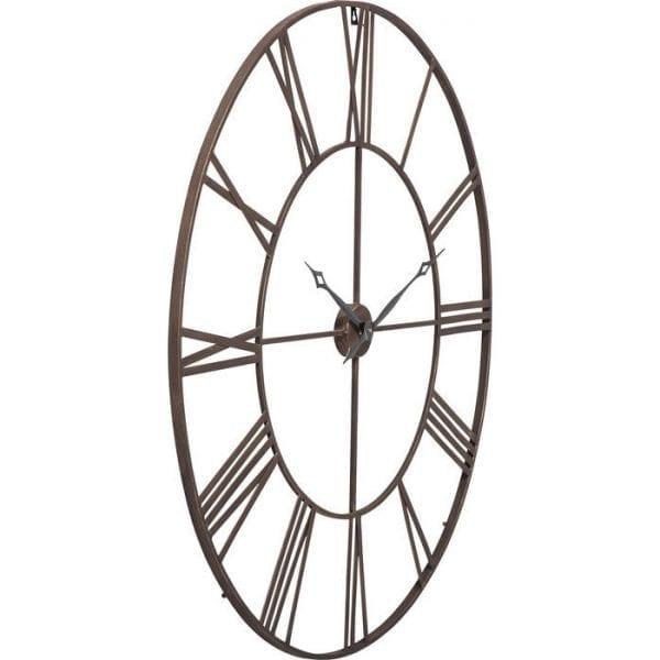 Wandklok Factory 120cm 34961 Het esthetische effect van de klok verrijkt elk interieur. De weelderige afmetingen brengen herinneringen terug aan fabriekshallen. De heavy metal-stijl en de antieke Romeinse cijfers zorgen ervoor dat het opvalt. Kare Design