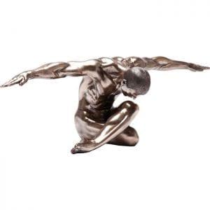 Deco Object Nude Man Bow 137cm 35791 De naakte feiten. Deze tijdloze figuur vol van karakter behaagt met zijn gespierde en esthetische vormgeving. De warme bronskleur geeft het een nobele uitstraling. Kare Design