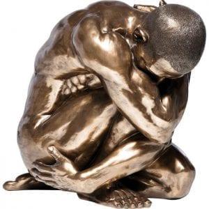 Deco Object Nude Man Hug Bronze 54cm 34731 Deze tijdloze figuur vol karakter spreekt aan met zijn gespierde en esthetische vormgeving. De warme bronskleur geeft het een nobele uitstraling. Ook beschikbaar in andere versies. Kare Design