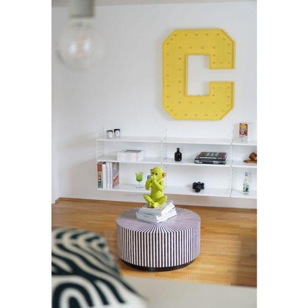 Deco Plant Aloe 69cm 60724 Decoratieve plant: weinig onderhoud ..... Deze decoratieve plant heeft geen water of zonlicht nodig, maar hij ziet er echt stijlvol uit en zorgt voor coole combinaties. Perfect voor ongedwongen arrangementen in ongebruikte hoeken van de kamer en overal waar u uw wens om te versieren wilt uiten. Geeft een onmiddellijke boost van frisheid voor het interieur van uw huis. Andere versies ook beschikbaar. Kare Design