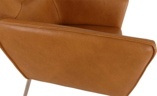 Silver armstoel uit de HE Design stoelen collectie, afgebeeld in Lux leder Sahara
