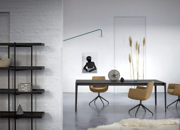 Altura meubels van Minjens, verfijnde design kasten en tafels