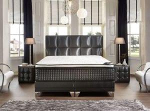 Boxspring Magnum.  Als een bed cool kan zijn, is dit een cool bed. Het bol geblokte hoofdbord heeft een artistieke uitstraling. Het bijzondere, geometrische ontwerp is een lust voor het oog. Uniek in zijn schoonheid, origineel en chique in zijn uitvoering. Een kunstwerk voor uw slaapkamer! - Serta boxsprings & matrassen - Löwik Wonen & Slapen