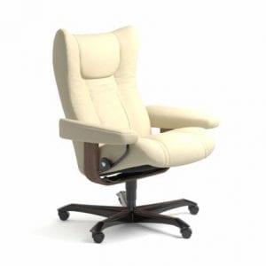 Stressless Wing relaxfauteuil - leder Paloma vanilla - maatvoering M - Bureaustoel met wieltjes - Lowik Wonen & Slapen fauteuil collectie