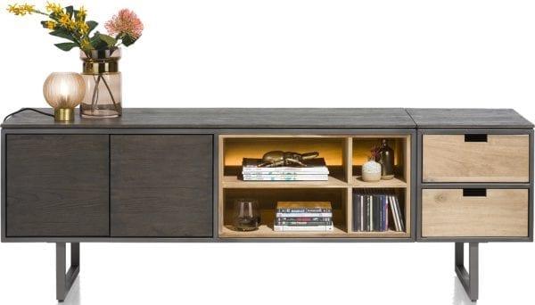 Moniz lowboard van Xooon, uitgevoerd in eiken fineer kleur carbon - modern betaalbaar design!