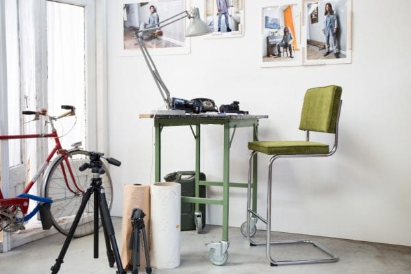 Barkruk Ridge Rib Cool Grey 32A modern design uit de Zuiver meubel collectie - 1500022