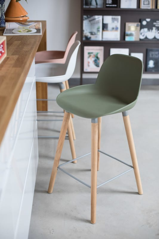 Barstoel Albert Kuip Green modern design uit de Zuiver meubel collectie - 1500056