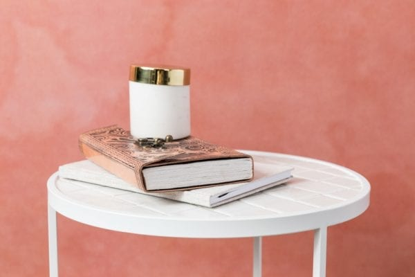 Bijzettafel Glazed White modern design uit de Zuiver meubel collectie - 2300126