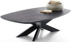 Dutchz 1500 salontafel 140x70 cm met visgraat motief in eiken black sky en mat zwart metalen kruispoot Dutchz (10x4cm).