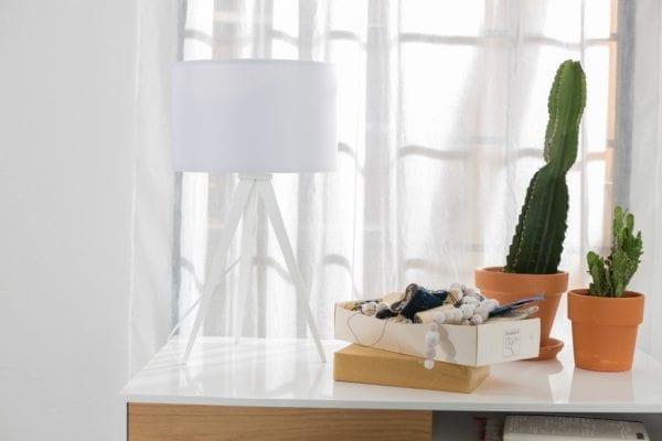 Tafellamp Tripod White modern design uit de Zuiver meubel collectie - 5200007