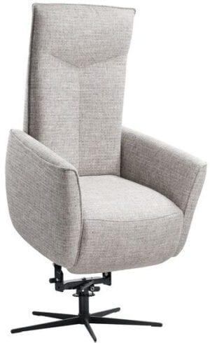 Relaxfauteuil Seduto elektrisch verstelbaar sta-op stoel uit de relaxfauteuils Pronto Wonen Lowik Meubelen Uitgevoerd in stof chrono 84-clay met Y-vorm in de rug (rug B), arm 3, hoge rug, zithoogte +3cm, elektrisch verstelbaar (2M) inclusief sta op hulp, elektrisch verstelbare hoofdsteun, bedieningspaneel met USB, pocketveren i.c.m. visco-schuim in de zitting (supreme) en zwarte metalen 5-teensvoet, type KMF3.