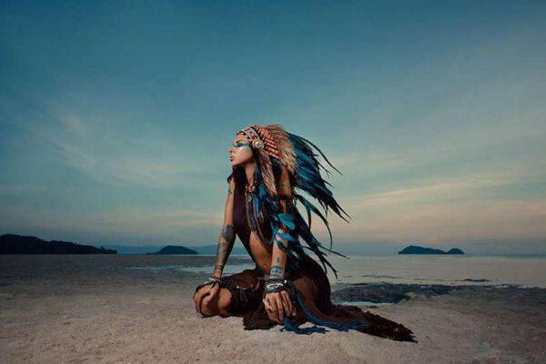 schilderij indian woman IN.HOUSE Accessoires Lowik Wonen & Slapen