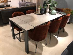Porta arm-/eetkamerstoelen set v. 7 - showroommodel uit de IN.House collectie