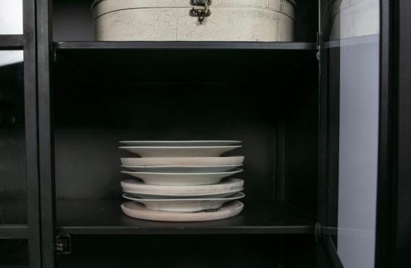 Exhibit Vitrinekast Metaal - Zwart uit de Opbergen collectie van BePureHome bij Löwik Meubelen