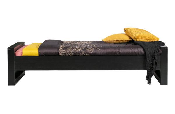 WOOOD Dennis Bed 90x200cm Grenen Zwart Geborsteld Black Ledikant