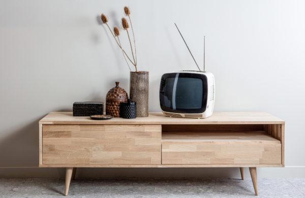 WOOOD Tygo Tv Meubel 150 Eiken Met Retro Poten Oak Kast