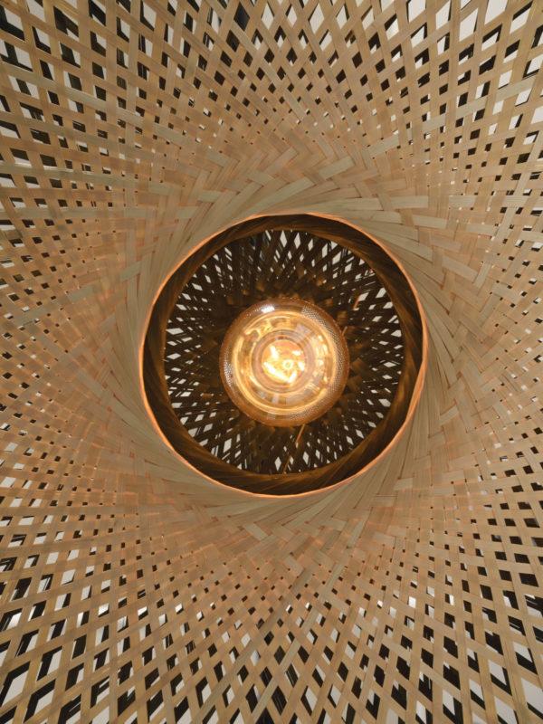 Vloerlamp Kalimantan bamboe nat.h.176cm/kap horiz.60x15cm zw/nat. Good & Mojo Vloerlamp KALIMANTAN/F/AD/N/15/BN