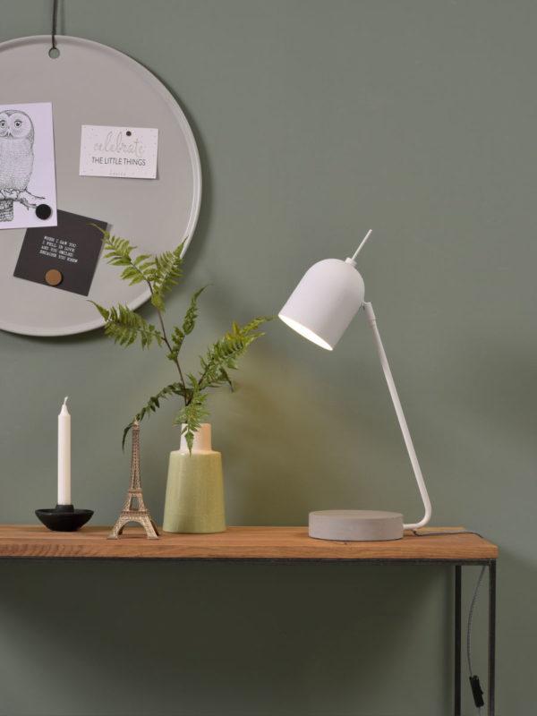 Tafellamp ijzer/cement voet Madrid b.22xh.57cm/kap dia.12xh.15cm, wit it's about RoMi Tafellamp MADRID/T/W